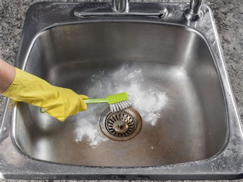 Cleaning Kitchen Sink With Baking Soda  Boldskycom