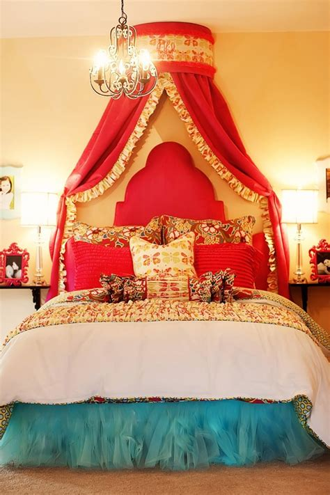 that bed crown and that bed skirt i seriously need to do this for my for the home