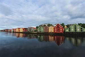 Häuser In Norwegen : verschiedene farbige h user in trondheim norwegen stockfoto bild von h user stadt 77322058 ~ Buech-reservation.com Haus und Dekorationen