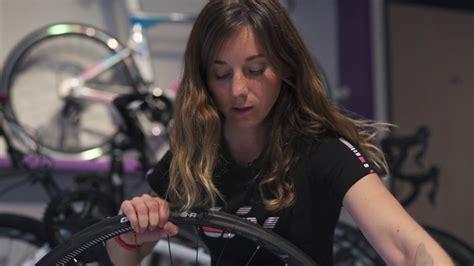 changer chambre à air vélo comment changer une chambre 224 air