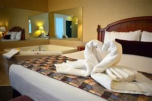 jacuzzi bungalows the honeymoon suite finger lakes With honeymoon suites near me