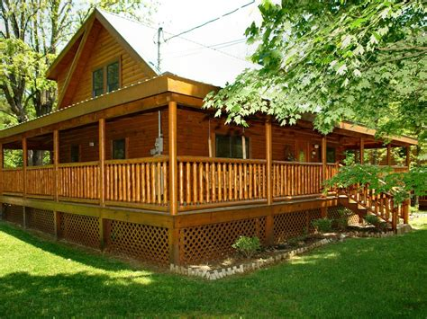 pigeon forge cabin pigeon forge cabin downtown 3br trouthouse vrbo