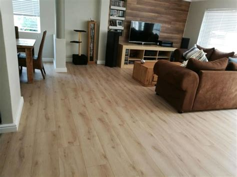 Black Forest Laminate Floor High Traffic Area Floors Living Rooms With Hardwood Floors How To Makeover Your Room Best Tv Mediterranean Style What Color Paint A Small Latest Design Of Ottomans For Dining Sheraton
