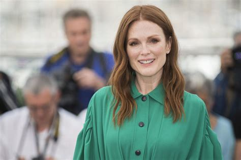 julianne moore joins fight urging ny senate republicans