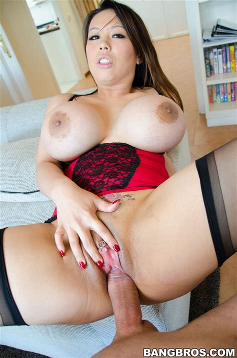 Tiger Benson Shows Off Her Big Tits And Gets Banged