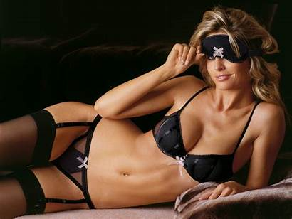 Lucy Under Wallpapers Models Garments Am Bra