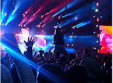 ライブの一体感を感じる事ができる ライブ会場のアリーナ席とスタンド席はどちらが楽しめる? NAVER まとめ