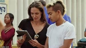 Maddox Jolie-Pitt tresse les éloges d'Angelina Jolie « Ma ...