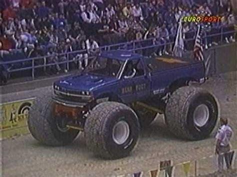 youtube monster trucks racing ushra baltimore arena 1989 monster truck racing youtube