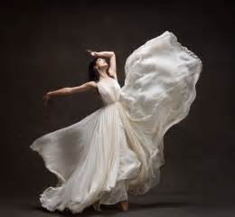 wedding dresses nyc wedding pictures ballerinas in wedding dresses new york city project