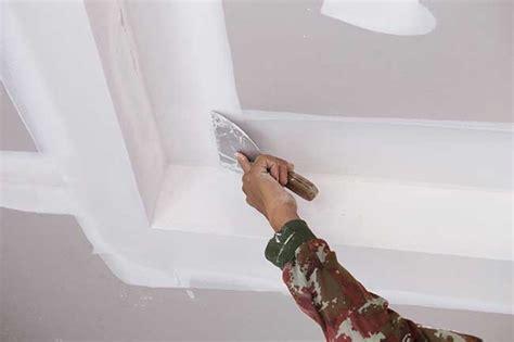 comment enduire un plafond en placo peindre sur du placo