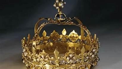 Crown Jewels Scotland Cap Jeweller Court Displayed