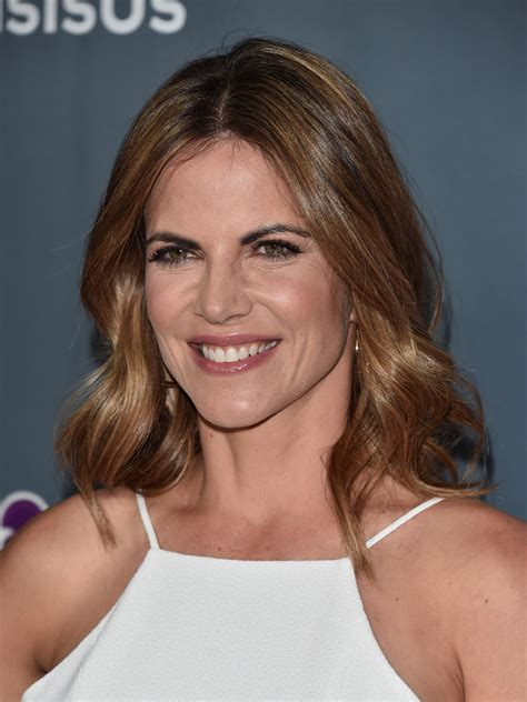 natalie morales medium wavy cut shoulder length hairstyles lookbook stylebistro