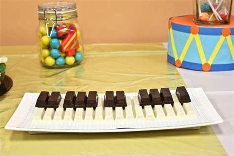 instruments de cuisine gâteaux d anniversaire pour musicien guitariste pianiste