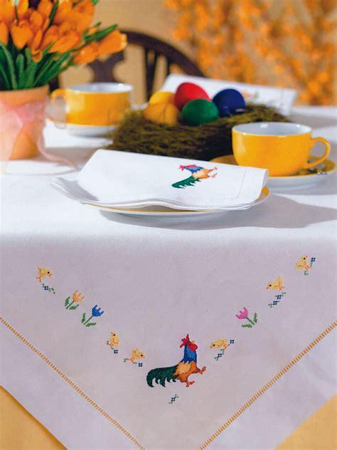 Tischdecke Auf Englisch by Tischdecke Mit Handgestickten Ostermotiven Oster Ideen