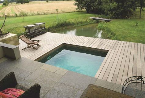 cuisine minimaliste design plage et margelles piscine quels matériaux choisir
