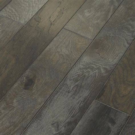enginered hardwood shaw majestic hickory grandview 3 8 in t x 5 in w x random length engineered click hardwood