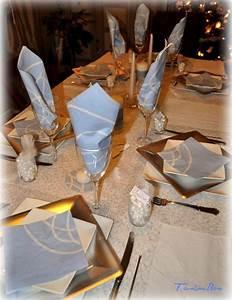 Table De Noel Blanche : d co de table de no l blanche et bleue blog z dio ~ Carolinahurricanesstore.com Idées de Décoration