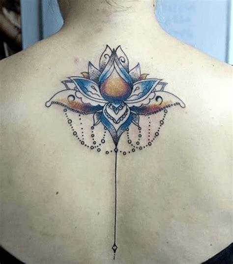 schiena fiori foto tatuaggio fiore di loto schiena