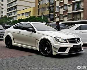 Mercedes 63 Amg : mercedes benz c 63 amg coup black series 31 january ~ Melissatoandfro.com Idées de Décoration