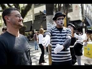 Mimes Direct Traffic In Venezuela - YouTube