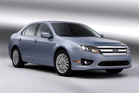 ford fusion hybrid review specs pictures price mpg