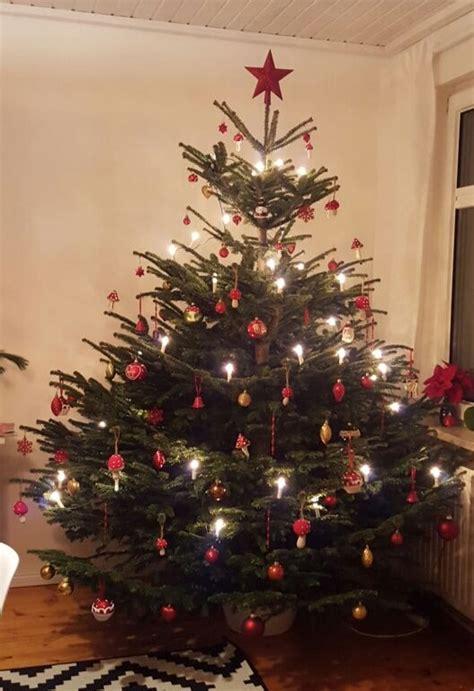 deutschland lese  weihnachtsbaum die lichter brennen