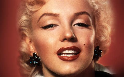 hc marilyn monroe smiling celebrity sexy papersco