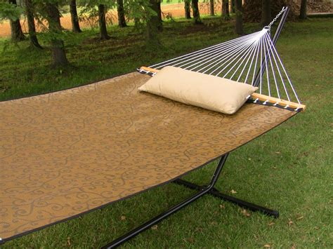 How To Assemble A Hammock by How To Make A Hammock Guide To Make Your Own Hammock At