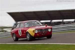 Alfa Romeo Giulia Prix Ttc : alfa romeo giulia gta chassis ar613011 driver thomas steinke 2014 historic grand prix ~ Gottalentnigeria.com Avis de Voitures