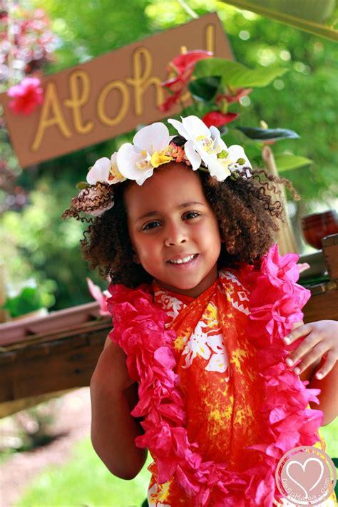 passport  culture travel party  kids hawaiian