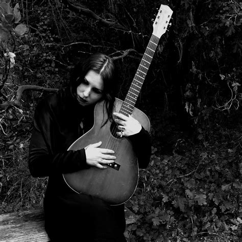 Singer songwriter chelsea wolfe has announced news of her fourth album abyss, following 2013's acclaimed album pain is beauty. Chelsea Wolfe - Sänger, Instrumentalist