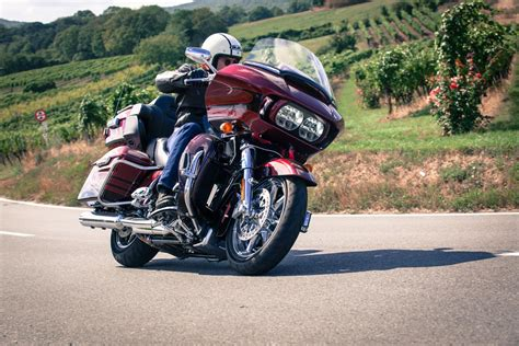 Gambar Motor Harley Davidson Cvo Road Glide by Harley Davidson Cvo Road Glide Ultra Fltruse Bilder Und