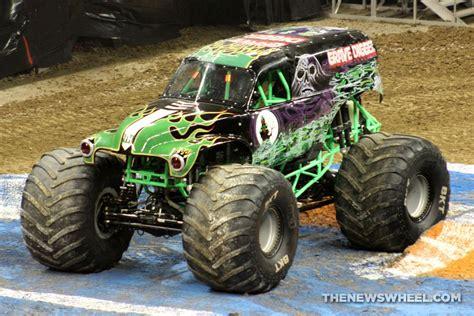monster truck shows 2016 monster jam show dayton grave digger truck 3 the news