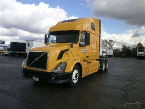 2011 volvo semi truck volvo vnl64t670 2011 sleeper semi trucks