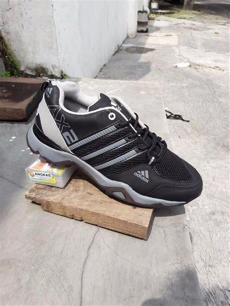 jual sepatu pria adidas ax2 terrex hitam abu casual