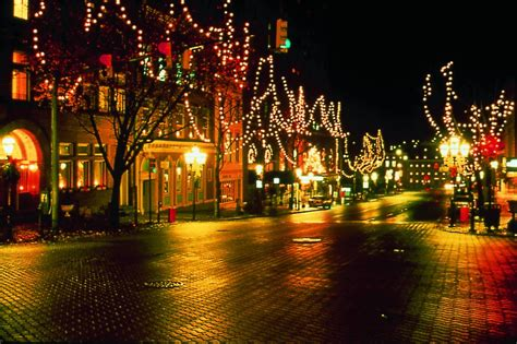 holiday lights in delaware bethlehem christmas city holiday events family vacation
