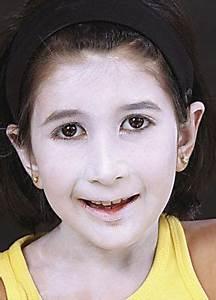 Schminken Zu Halloween : vampir schminken dracula halloween schminken anleitung tipps motive vorlagen ~ Frokenaadalensverden.com Haus und Dekorationen