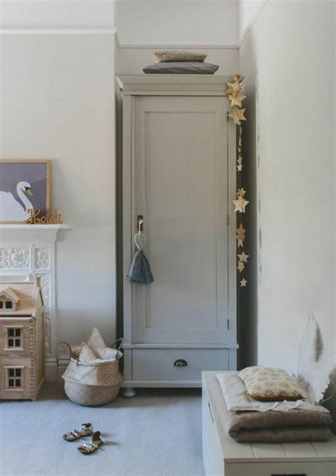 armoire chambre enfants armoir chambre enfant armoire vintage pour chambre enfant