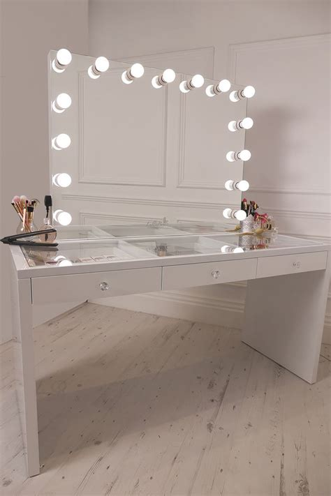 light up vanity the 25 best mirror with lights ideas on mirror mirror vanity and light