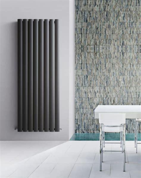 Vertikāli vērsti dizaina radiatori BLOWER. Izgatavoti no ...