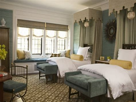 two bed bedroom ideas ideas for guest rooms guest bedroom decorating ideas guest bedroom idea with two twin beds