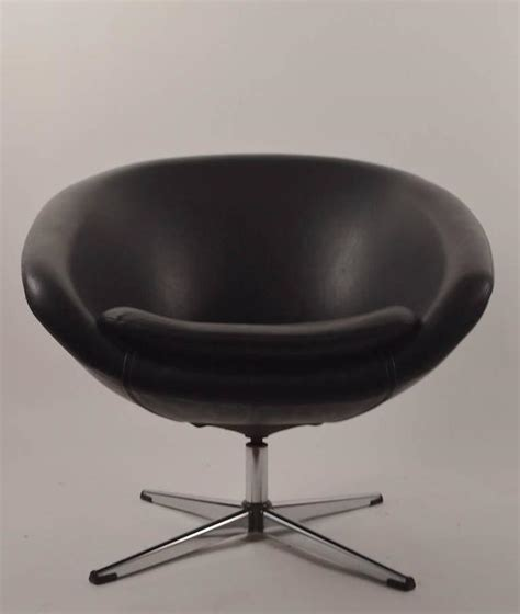 Black Swivel Pod Chair by Single Black Overman Swivel Pod Chair For Sale At 1stdibs