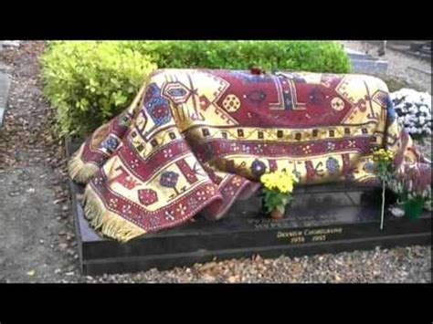 au bureau genevieve des bois tombe de rudolf noureev au cimetière de sainte geneviève