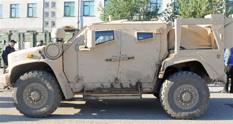Replacement For Humvee by Paratroopers Check Out Army S Replacement For The Humvee