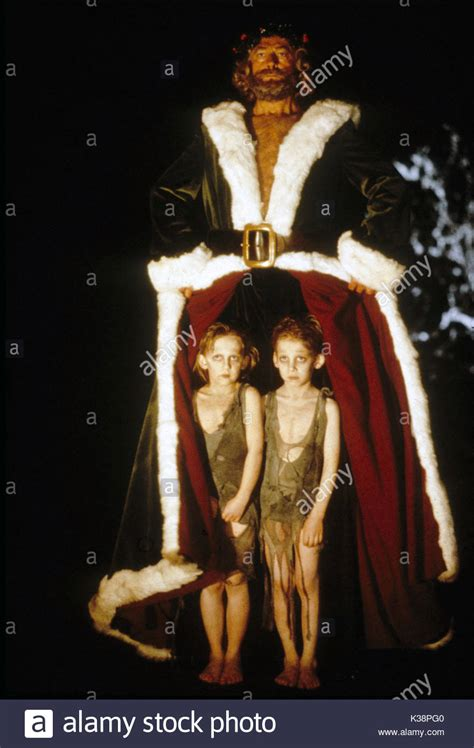 A CHRISTMAS CAROL EDWARD WOODWARD as the Ghost of Christmas Present Stock Photo: 156930592 - Alamy