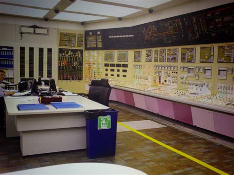 salle de controle centrale nucleaire file centrale nucl 233 aire de gravelines salle de controle jpg wikimedia commons