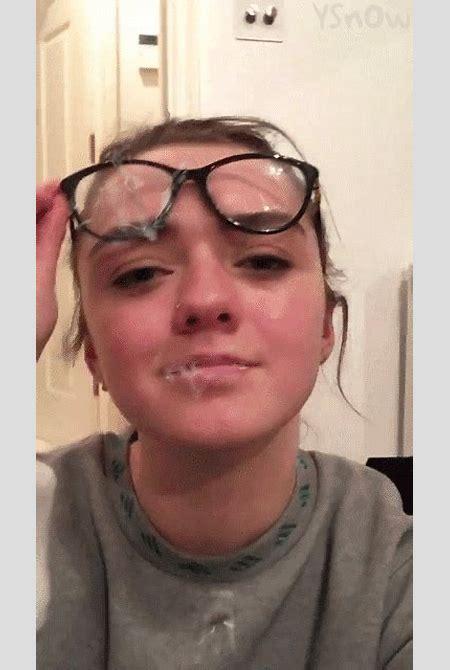 InstantFap - Maisie Williams Cum Face Gif