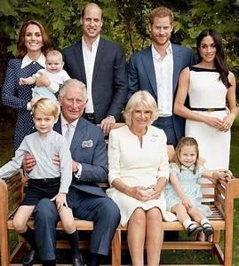 Actualité Famille Royale : la famille royale pose pour les 70 ans du prince charles madame figaro ~ Medecine-chirurgie-esthetiques.com Avis de Voitures