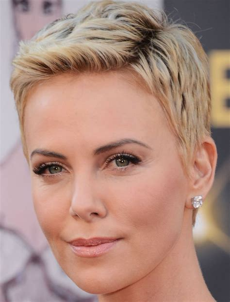 Womens Pixie Hairstyles by 2018 Pixie Hairstyles And Haircuts For 40 To 60